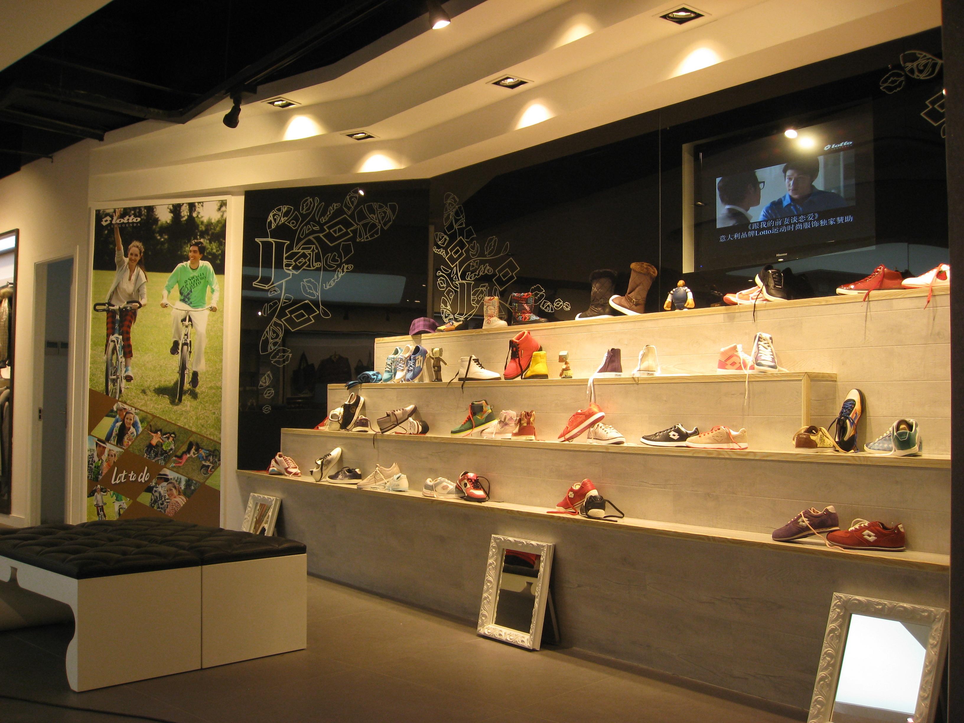 商场女鞋专卖铺面设计装修效果图