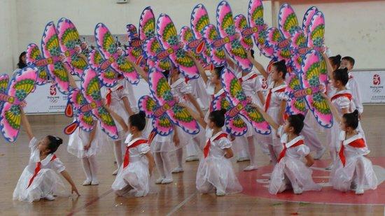 舞蹈在学前辅导教育中的作用 幼教舞蹈对孩子的作用