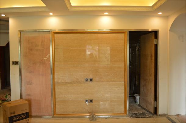 不锈钢及画框线条收边(300)+形象墙大理石铺贴(260)
