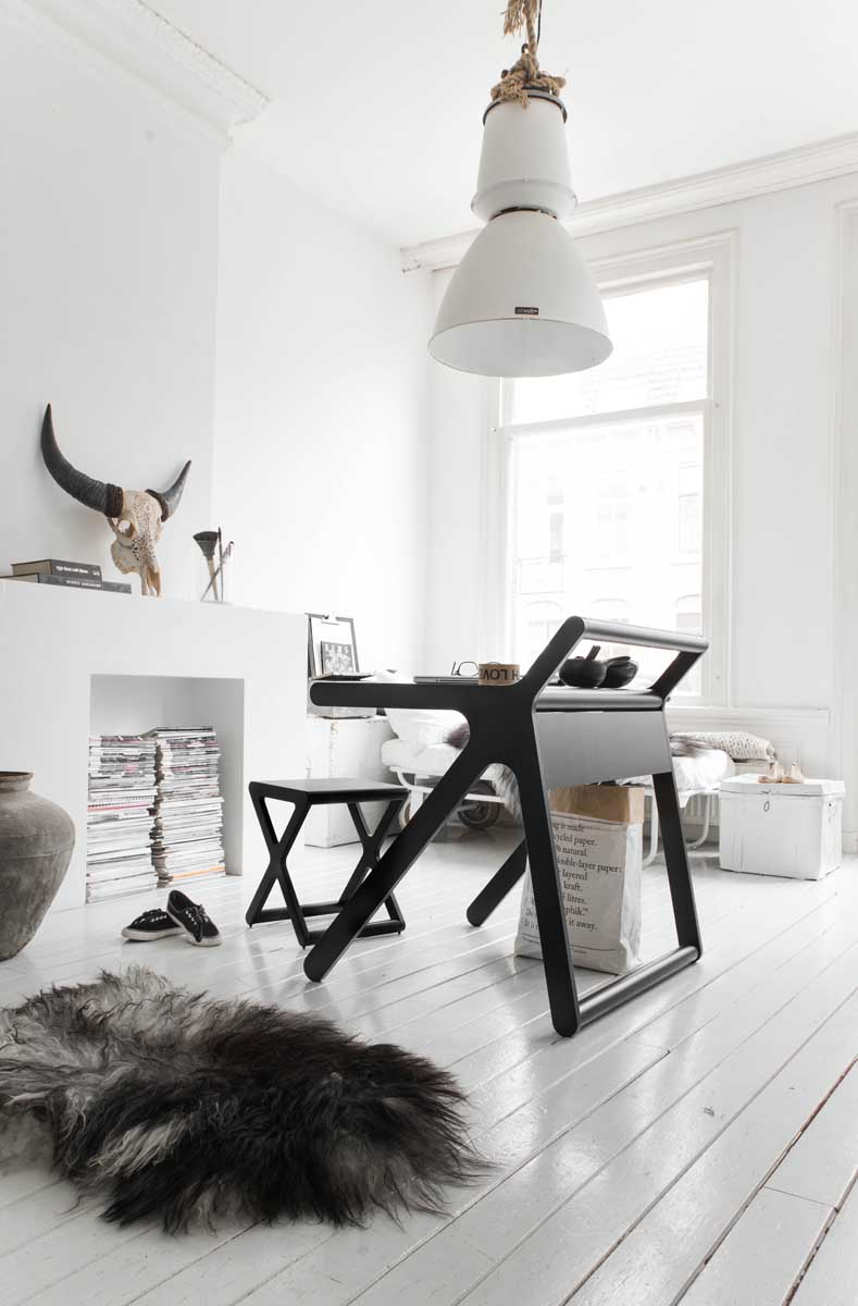 简洁创意的K书桌和X椅子欣赏