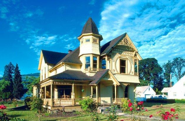 簡約二層歐式別墅外觀設計的特點