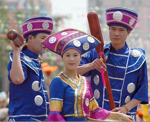国内少数民族服装图案设计工艺