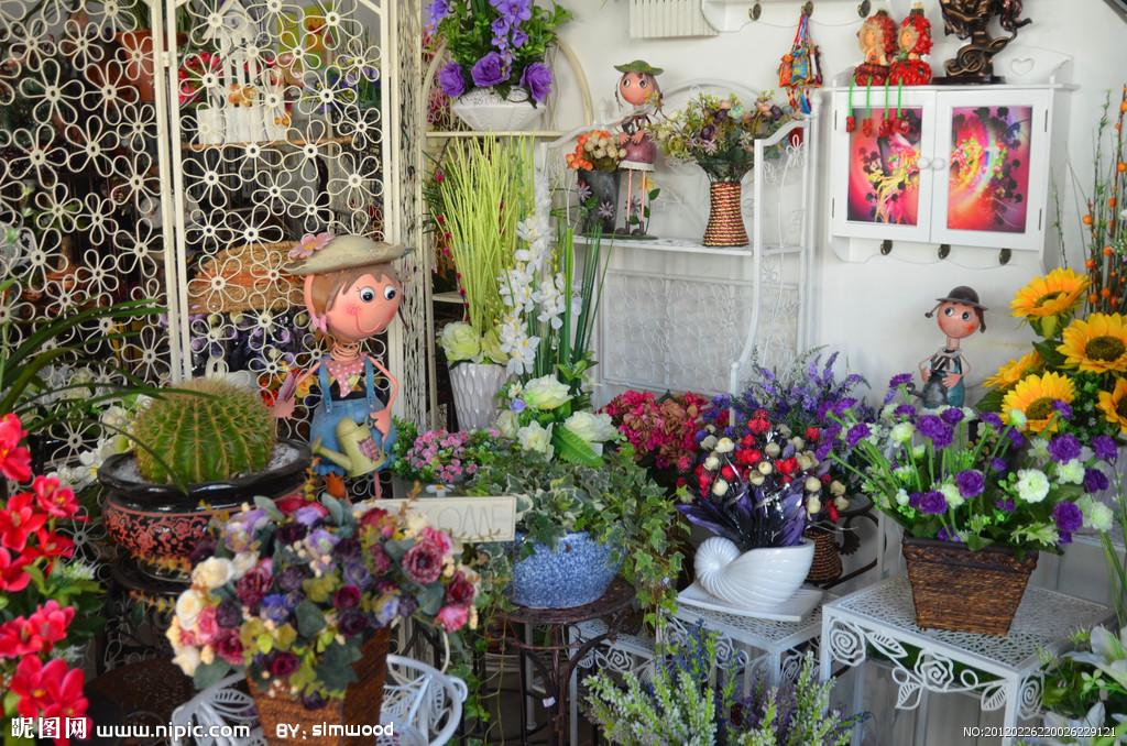 芙蓉向脸两边开—起一个有情调又有内涵的花店名字