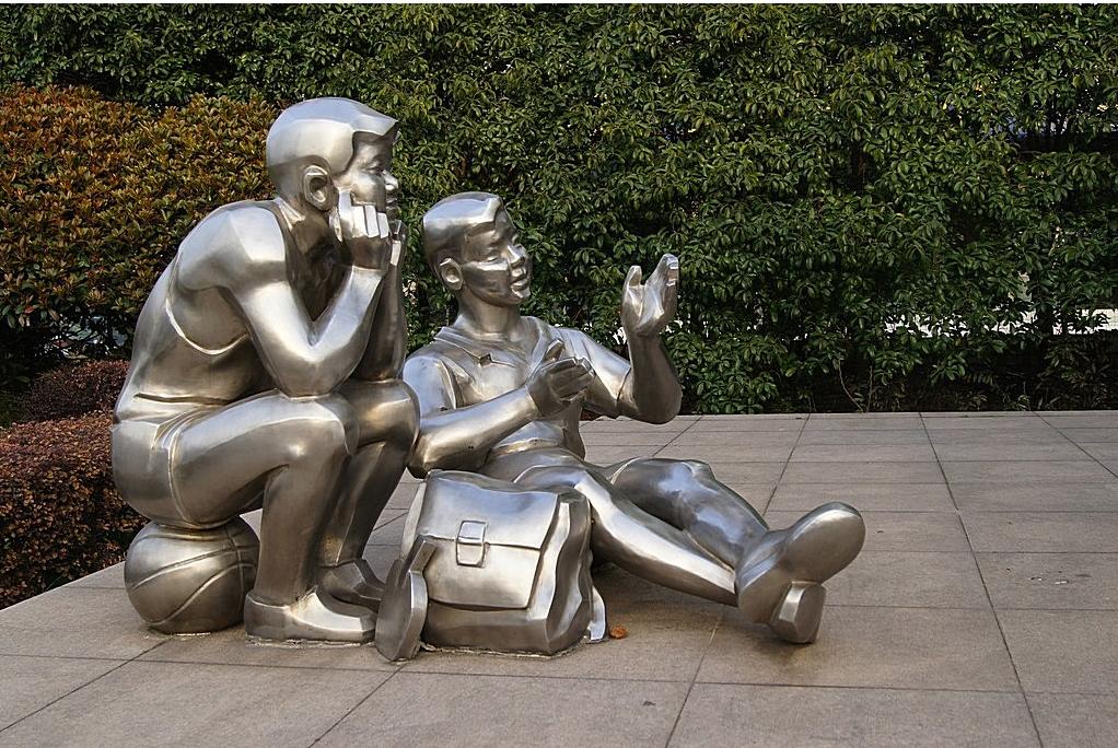 校园雕塑设计的选择应该怎么选