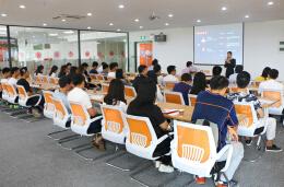 创业公开课开讲 一品创客为创业者破解营销难题