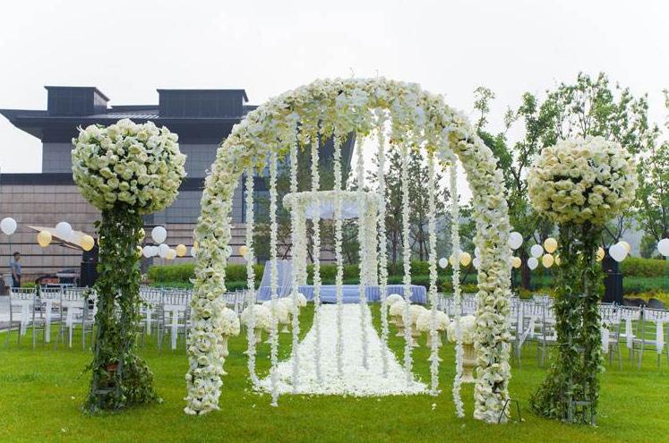 冬季婚礼策划方法,如何在冬天举行一场浪漫的婚礼