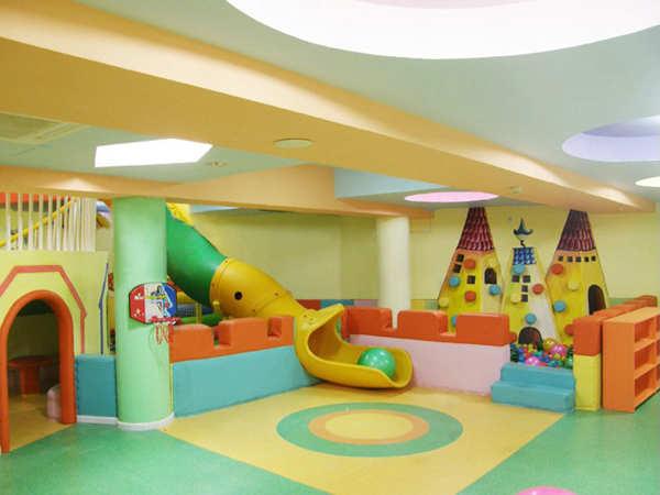 首页 威客攻略 幼儿园室内设计      儿童的娱乐区域设计的颜色鲜艳又