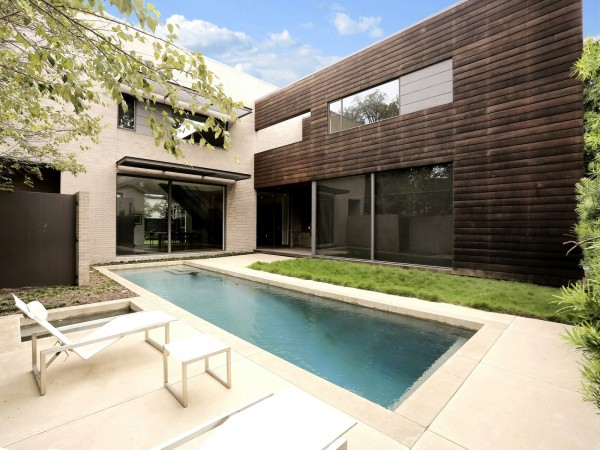 通透漂亮的豪华别墅设计