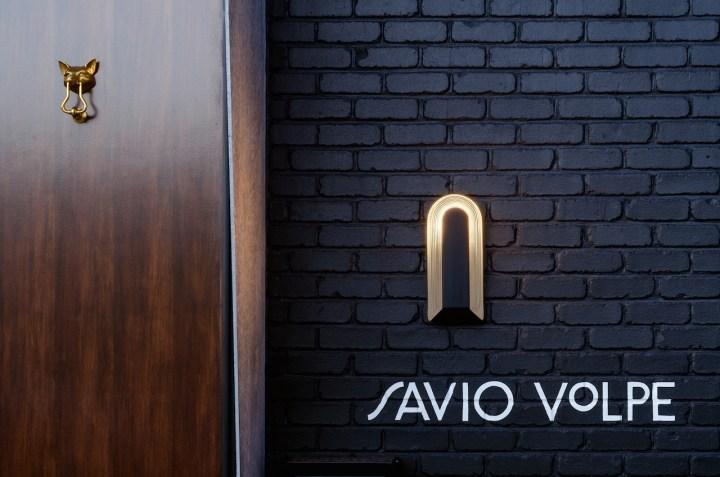 加拿大Savio Volpe现代农舍餐厅设计