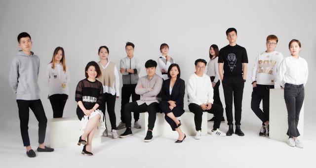 专业、年轻化、点子新奇,这家设计公司还全是俊男美女