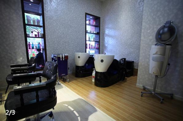 一家现代美容美发装修洗头房装修效果图欣赏