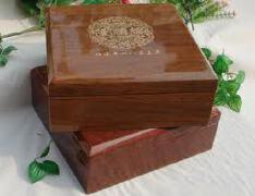 中秋月饼礼品盒包装设计方法 月饼木盒包装设计选择