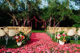 婚庆策划如何选择布置鲜花 婚礼中各种鲜花代表的寓意