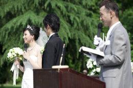 婚庆策划如何找优秀的司仪 司仪是完美婚庆策划中的角色