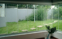 无框阳台安全吗 如何选购无框阳台窗 用无框阳台窗封装阳台安全吗