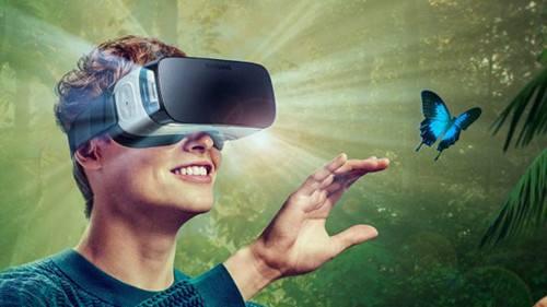 """艾葵斯发布""""沉浸世界""""大空间VR影厅,百平米可让8人同时体验"""