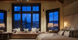 家装美式阁楼卧室窗户设计