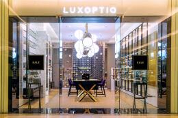 Luxoptiq眼镜店装修设计