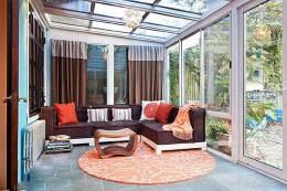 一座通明、充溢阳光的露台阳光房怎么进步隐私系数呢?