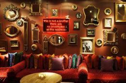 非常有创意的酒吧墙面装饰图片欣赏