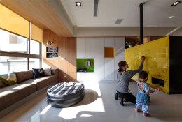 可旋转的电视柜:高雄实用舒适的开放式公寓设计