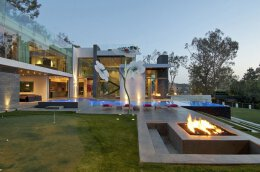 加州比佛利山庄超现代的顶级豪华别墅