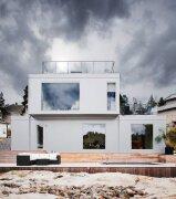 纯白Scandinavian风格山间别墅设计