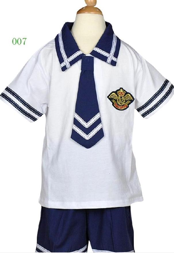 手绘女生校服设计图