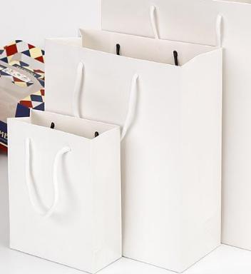 如何制作白卡纸手提袋