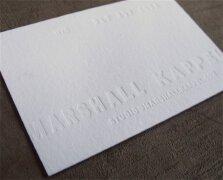 20张白色的凸版工艺个人名片设计
