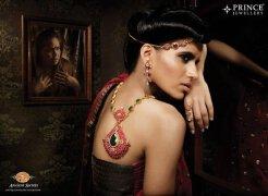 珠宝店真人佩戴珠宝广告欣赏