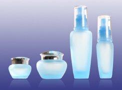 如何体现化妆品玻璃包装中的产品的高端特色