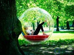 概念休息躺椅设计,像一个飘落在人间的泡泡精灵。