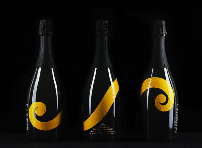 国外SPARKLING柠檬清酒创意包装设计