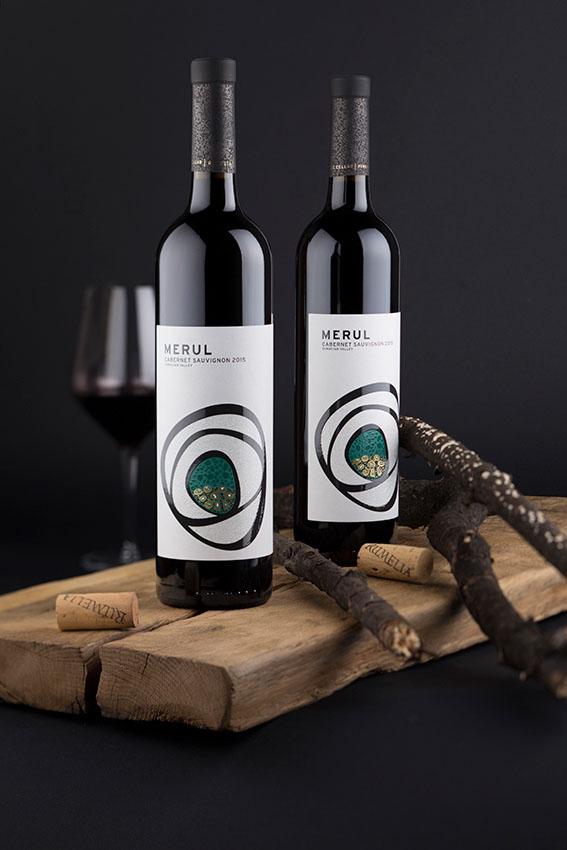 1组效果出众的葡萄酒瓶贴设计作品欣赏