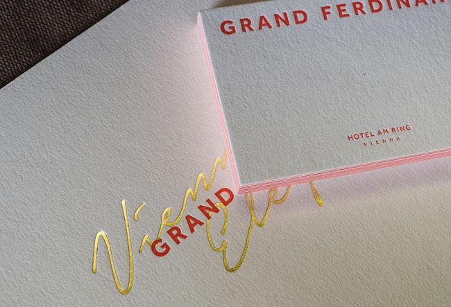 国外精致的Grand Hotel酒店形象卡设计欣赏