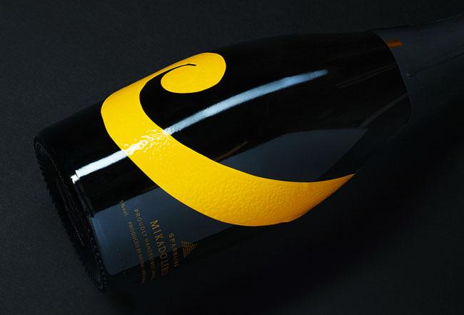 国外SPARKLING柠檬清酒创意包装设计欣赏